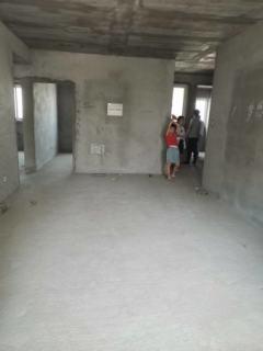 铂金美寓毛坯3室,楼层好采光无遮挡