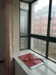 (湖滨新区)新城家园南苑2室1厅1卫70m²精装修