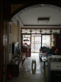 项王小区三期  送储藏室15平   各出  有名额  送家具