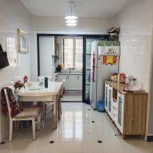 南实小施教区滨江花园 3室2厅2卫 送家具家电 送储 名额在