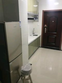 锦绣江南1室1厅1卫64m²精装修朝北家电齐全1500元