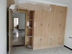 卧龙湾多层3室2厅1卫简单装修各出各税