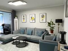 龙庭国际70年大产权1室1厅1卫精装 18平储藏室