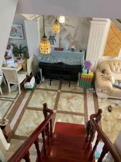 (开发区)隆园别墅5室2厅4卫270万174m²精装修出售