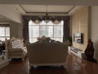 苏源阳光花园6室3厅3卫320万227m²出售(含27平地上车库)