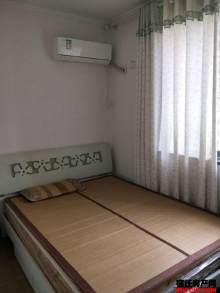 青海湖路小学旁   鸿意上层  两室72万  多层二楼
